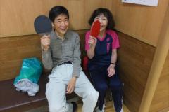 ⑦休憩中のひとこま。阿部君(左)と野田さん(右) 楽しそう!